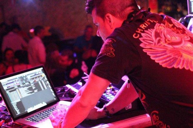 DJ-Rubén-786-Preparando-Temas-03